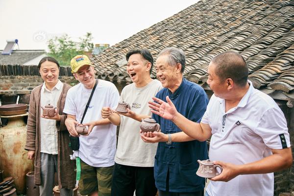 张颐武:在当下的社会中,需要强化人文素养和人..