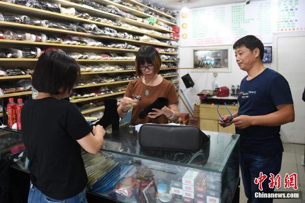 华裔教授因新冠研究被灭口?警方回应
