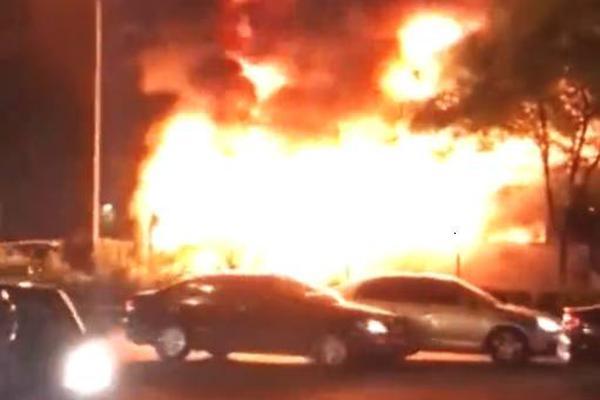 加拿大货运列车脱轨致大量化学物质泄漏 当地居民已被疏散