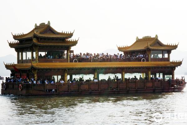 西藏日喀则 领略高原深处的春耕美景_重庆三分彩官方下载
