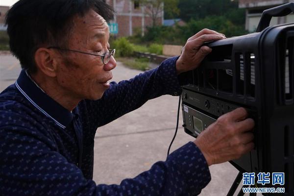 """""""中国为什么能""""短视频第2集:政府工作报告为何如此重要"""