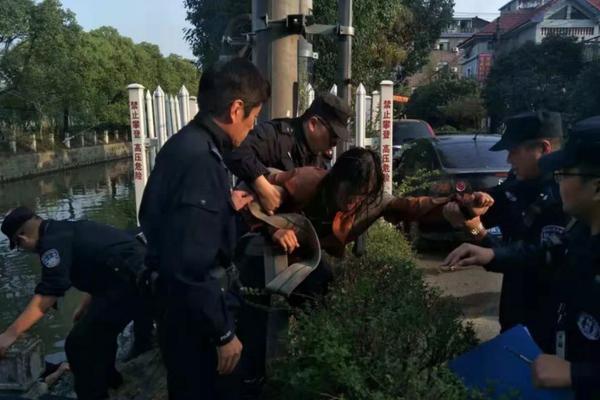 【威尼斯游戏】美媒:一挪威女子救助染病小狗后死于狂犬病