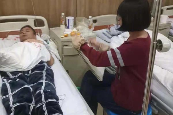 """北京一""""花小猪打车""""司机感染新冠,平台在京未获运营资质"""