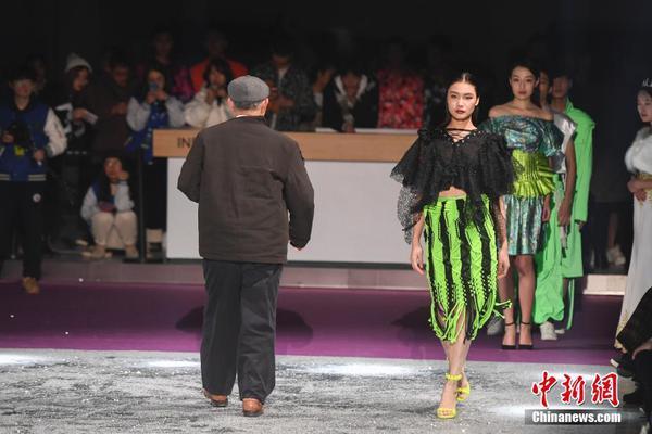 """""""女摊贩不能超过45岁""""?官方回应:涉事菜市场整改"""