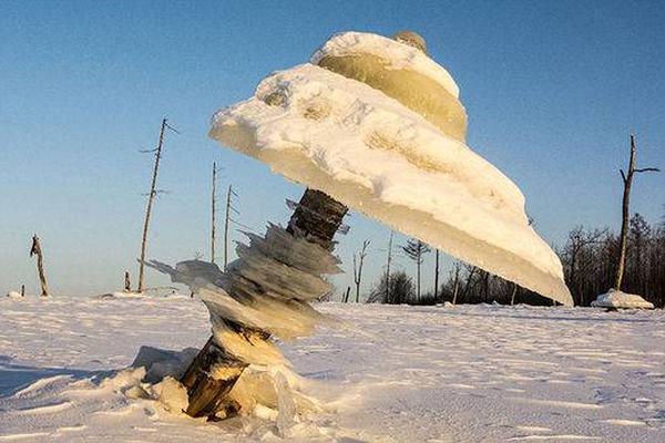 江苏盐城化工厂爆炸厂区被完全摧毁 核心区现巨坑
