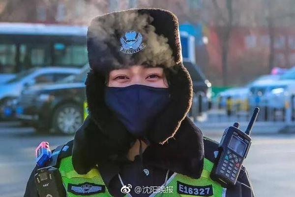 """【凯发开户注册】守护平安守护你!上海武警""""网红""""拉链式人墙又重现了"""