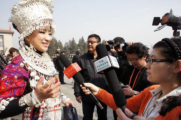 亚洲国产综合_亚洲国产在人线播放器_亚洲狼人第一综合网