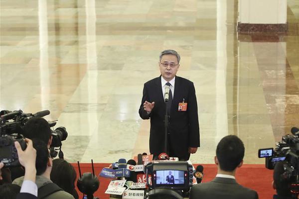 张颐武:在当下的社会中,需要强化人文素养和人.._王者荣耀微赛事参加