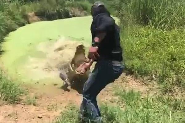 small man lifts