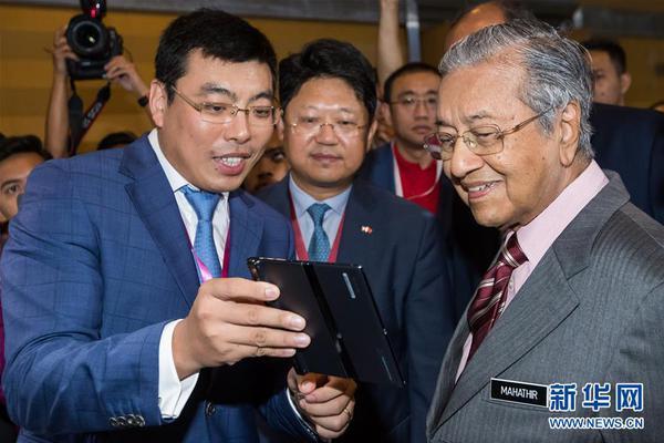 中国抗疫物资运抵马来西亚