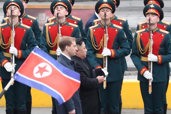 华谊兄弟净利亏损12亿 冯小刚需赔近7000万_北京三分彩规律