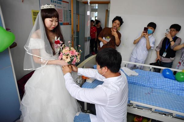 多地宣布春节前完成重点人群接种新冠疫苗