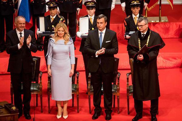 斯洛伐克首位女总统宣誓就职