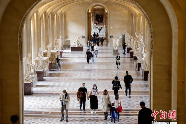 法国多地将实施宵禁 著名景点卢浮宫参观者寥寥