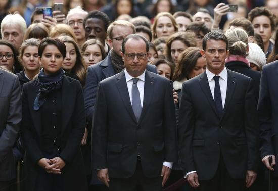 法国现在越强硬的态度越容易得到民众的掌声
