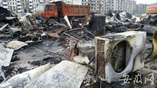 蚌埠金伟熙城观邸工地堆栈板房突发大火