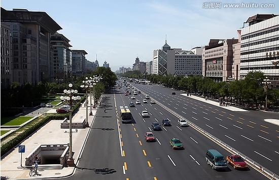 北京长安街。材料图
