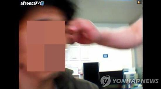 韩国变态教授虐待学生逼其吃屎喝尿(图) 韩国 变态教授_新浪新闻