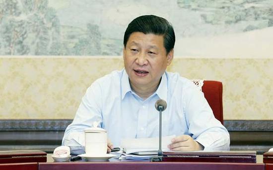 中共中央政治局召开专门会议,习近平总书记主持并发表重要讲话。 图片来自新华社。