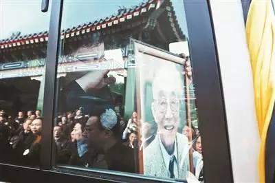 10月9日,杜润生逝世