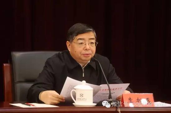 会上,北京市委常委、市纪委布告李书磊宣告了地方《关于赐与吕锡文开革党籍开革公职处罚的决议》。