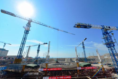 """资料图:中国自主三代核电技术""""华龙一号""""示范工程。新华社记者魏培全摄"""