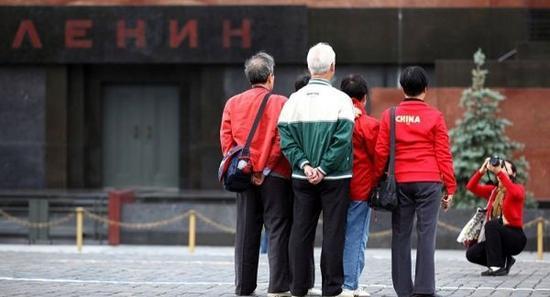 俄媒:中国游客2015境外消费超万亿青睐日韩欧美