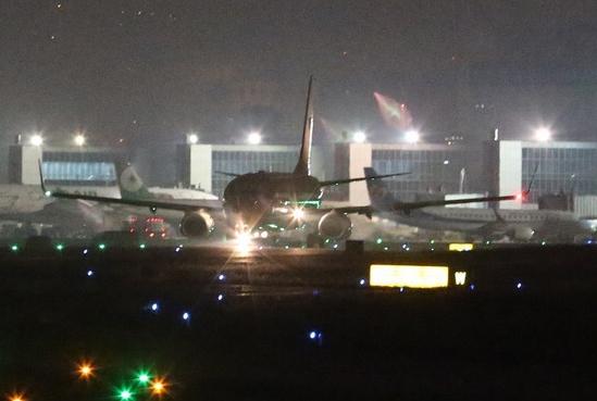 马英九专机于28日凌晨起飞前往太平岛