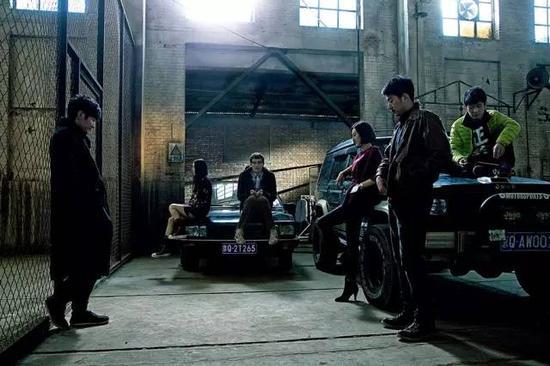 《名侦探狄仁杰》和《暗黑者》都是悬疑剧,风格却截然不同。
