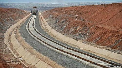 资料图片:中资兴建的吉布提埃塞俄比亚铁路已经完成铺轨