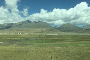 【西藏】游客蜂拥入 圣地守护勤