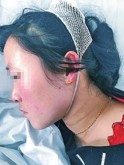 正月初三被打后,李红霞住进了医院。