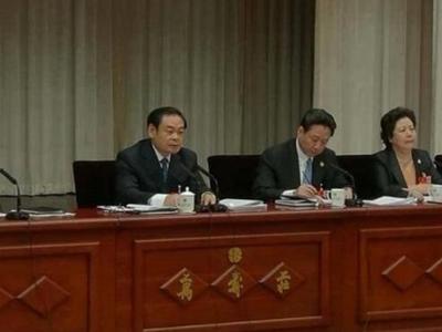 王儒林:厅官看完送礼3千万的纸条 老板现场吞下