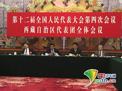 3月7日下午,全国人大西藏代表团全体会议在人民大会堂召开,图为全体会现场。中国青年网记者郭蕾 摄
