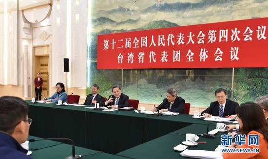 3月7日,中共中央政治局常委、全国政协主席俞正声参加十二届全国人大四次会议台湾代表团的审议。 新华社记者高洁摄