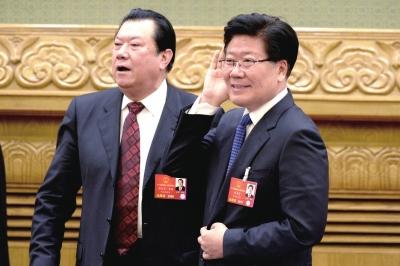 新疆维吾尔自治区党委书记张春贤认真听取记者的问题。京华时报记者陶冉摄