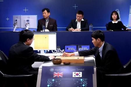 AlphaGo�c李世石人�C大�鸬诙��穑�李世石再次落��