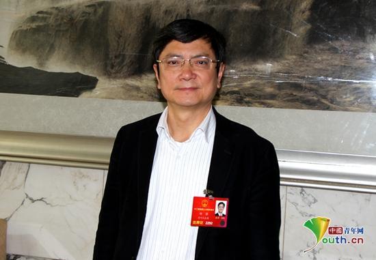 全国人大代表、贵州大学校长郑强。中国青年网记者李延兵 摄