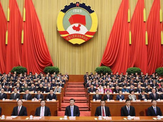 3月14日,中国人民政治协商会议第十二届全国委员会第四次会议在北京闭幕。这是习近平、李克强、张德江、刘云山、王岐山、张高丽等在主席台就座。 新华社记者兰红光摄
