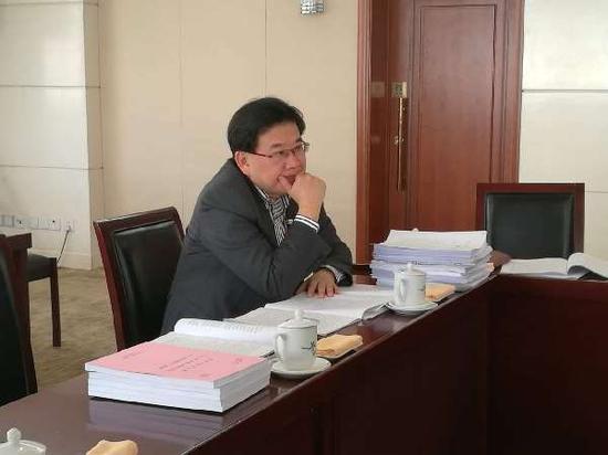 天下人大代表、上海新文娱传媒有限公司首席掌管人曹可凡