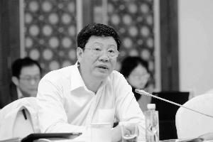 天下人大代表、广州市人大常委会主任陈建华。