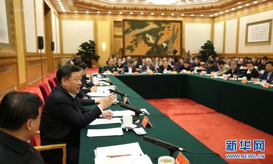 4月19日,中共中央总书记、国家主席、中央军委主席、中央网络安全和信息化领导小组组长习近平在北京主持召开网络安全和信息化工作座谈会并发表重要讲话。 新华社记者 兰红光 摄