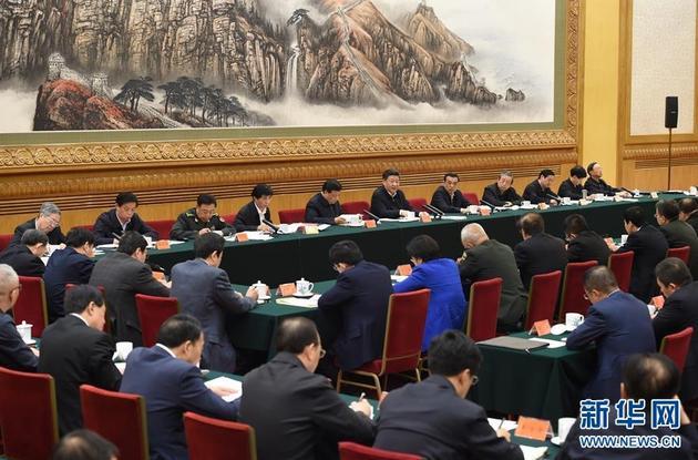 4月19日,中共中央总书记、国家主席、中央军委主席、中央网络安全和信息化领导小组组长习近平在北京主持召开网络安全和信息化工作座谈会并发表重要讲话。 新华社记者 张铎 摄