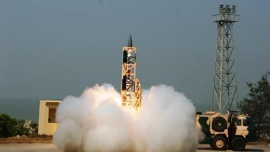 资料图:印度在卡拉姆岛试射导弹