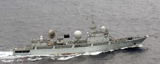 15日被日方认为进入日本领海的中国军舰。