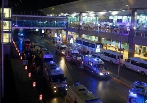 土耳其机场爆炸:恐怖分子射击后引爆身上炸弹