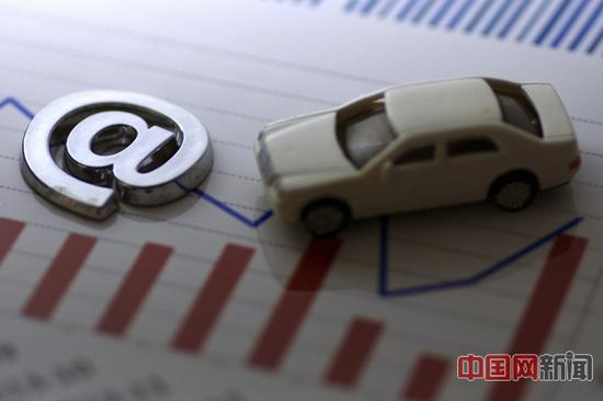继去年10月《网络预约出租汽车经营服务管理暂行办法》(征求意见稿)公布以来,出台日程一拖再拖。图片来源于东方IC。