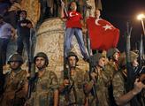 谁是土耳其流血政变的幕后主使者?