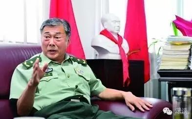 """在位于北京怀柔区装备学院的办公室里,刘建接受了""""深读""""采访"""