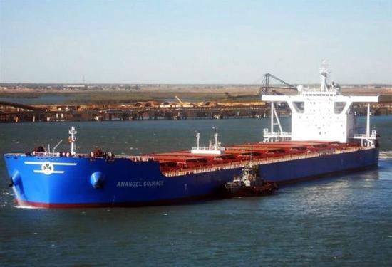 中国渔船与希腊货船在东海相撞部分船员获救。这是发生相撞事故的希腊籍货船的资料照片。新华社发